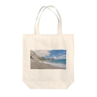 海沿いの『無邪気』。 Tote bags