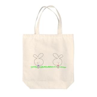 うさぎん Tote bags