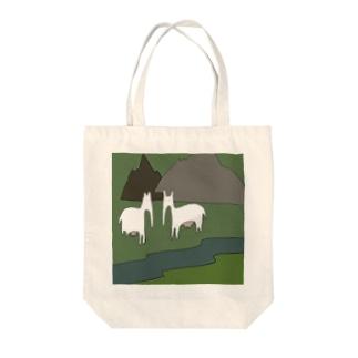 最強の草食動物の群れ Tote bags