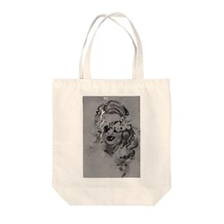 サングラスの女性 2 Tote bags