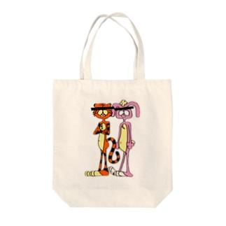 トラとウサギ Tote bags