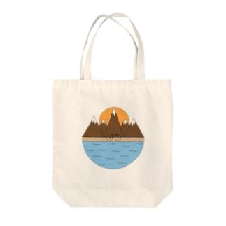 山登り Tote bags