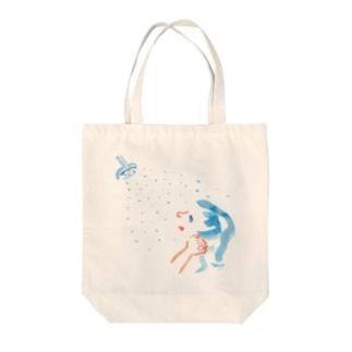古川イラストデザインのシャワー Tote bags