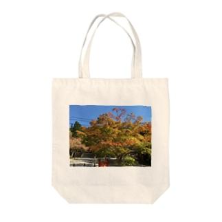 高野山の紅葉 Tote bags