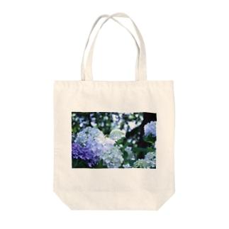 木漏れ日と紫陽花 Tote bags