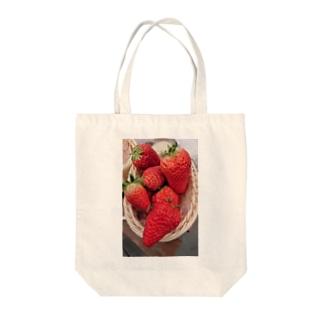 イチゴとミツバチ Tote bags
