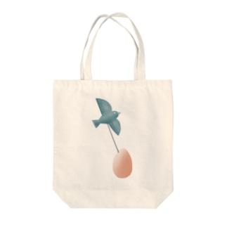 鳥と卵 Tote bags