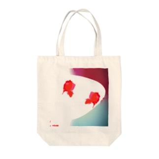 鮮やか金魚 Tote bags