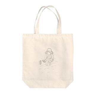 黄昏麦わらガール Tote bags