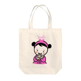 スマイルちゃん Tote bags