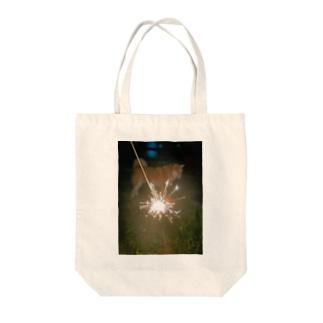 花火の向こうに犬 Tote bags