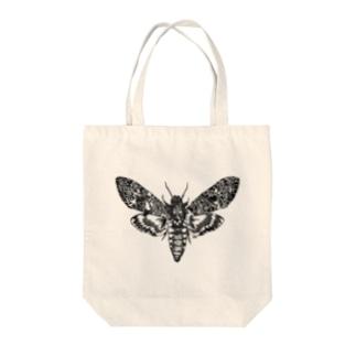 蛾(クロメンガタスズメ) Tote bags
