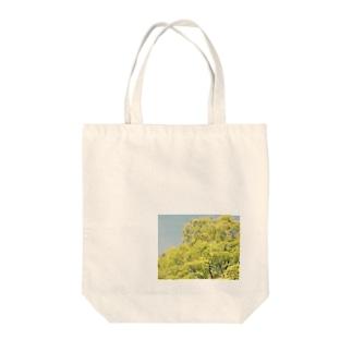 なびく木 Tote bags
