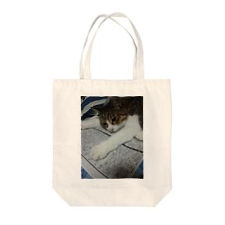 のびのびネコネコ Tote bags