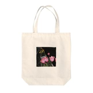 毒色チューリップ Tote bags