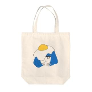 目玉焼きかぶり Tote bags