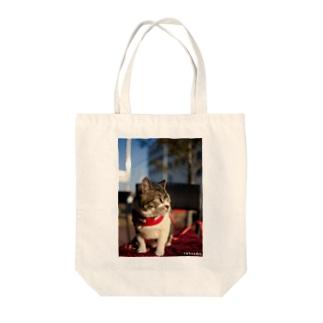 横向きリキちゃん Tote bags