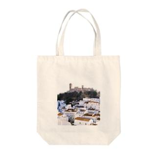 スペイン:丘の上の村カサレスの遠望 Spain: Casares  (Cásares) Tote bags