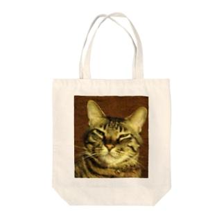 幸運のトラ猫 Tote bags