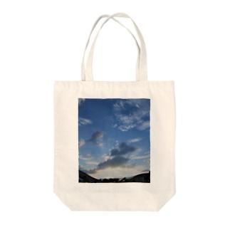青空 Tote bags
