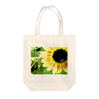 向日葵と蜂 Tote bags