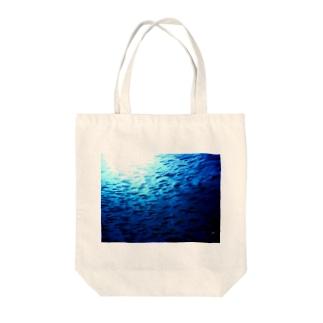 2月のタカベ Tote bags