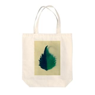 半分な紫蘇2 Tote bags