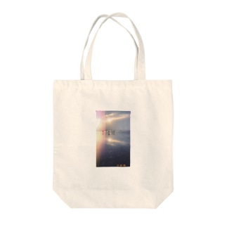 景色 Tote bags