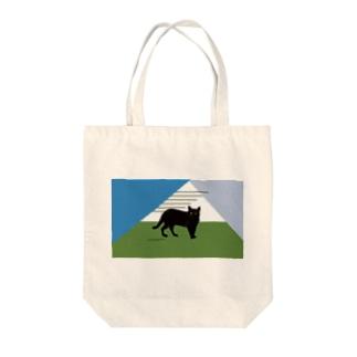 佇む黒猫 Tote bags