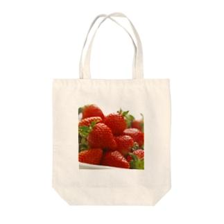 山積みいちご Tote bags