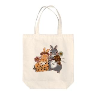 うさぎさんとヴァイオリン Tote bags