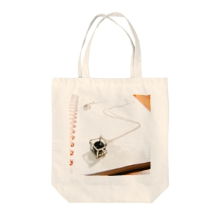 Onyx Tote bags