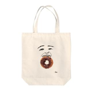 ドーナッツボーイ Tote bags