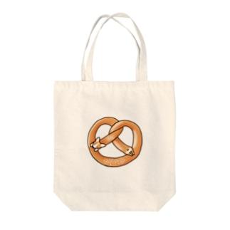 コーギープレッツェル Tote bags