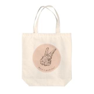 うさぎ ミルキーピンク Tote bags