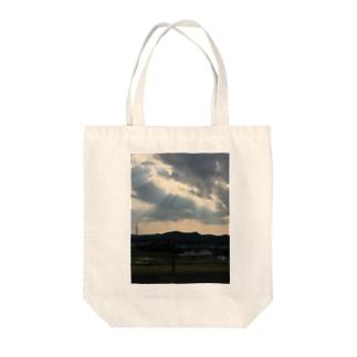 mofumofuwankoの天使の梯子トートバッグ Tote bags