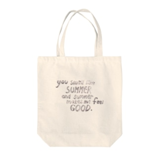 summer smells good Tote bags