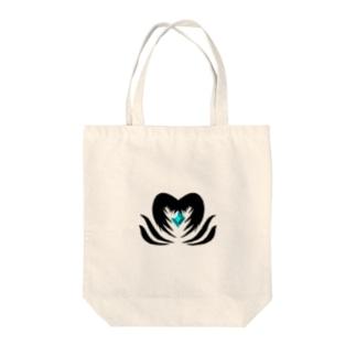 クリスタルを守る堕天使 Tote bags