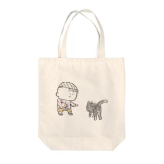 猫にちょっかいだす夫・サミ太郎 Tote bags