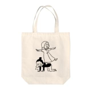 シミを踏み台にするマトリョーシカさん Tote bags