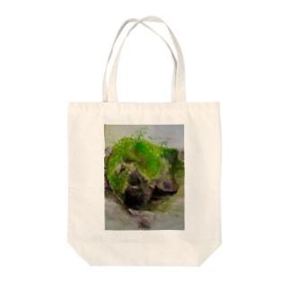 苔むした岩 Tote bags