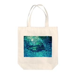 水の底 Tote bags