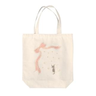 リボンとねこ Tote bags