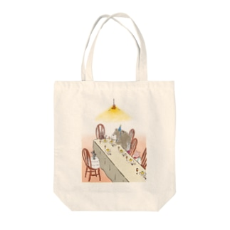 happy birthday くま Tote bags