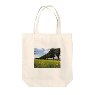 菜の花畑 Tote bags