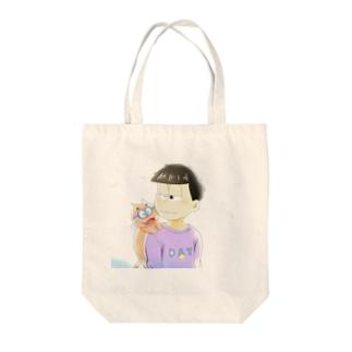 友達 Tote bags