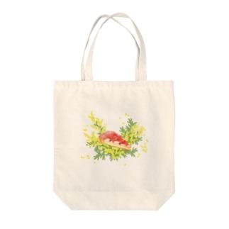 ミモザいちごタルト Tote bags