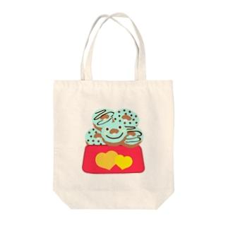 チョコミントの山積みドーナツ Tote bags