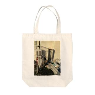 台風のあと Tote bags
