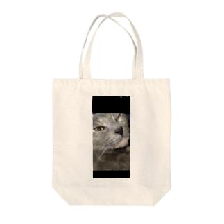 ウィンク猫 Tote bags